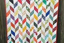 Quiltspiration  / Quilts and Fabric I <3 / by Lucy Simons