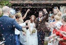 Natural wedding confetti / Dried flower petals make such beautiful wedding confetti - plus they're 100% biodegradable too. They are easy to make at home - just pick some flowers from the garden and dry in the airing cupboard.