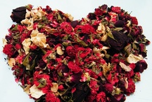 Valentines Day / Dried flowers, heart wreaths and decorations for Valentine Day. Sprinkle those rose petals!