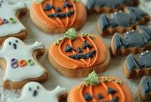 Oktoberdots ♥ Halloween food / What better reason to go crazy with all kinds of food than Halloween? Snacks, drinks, dinner, all in a scary Halloween feel! / by Oktoberdots | Babet