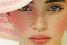 Le Maquillage / Makeup tips / by Lauren Priest