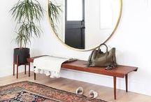 HALL-ENTRADAS / Mobiliario,papeles,texturas espejos...toda la inspiración para el espacio de presentación de tu casa.