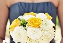 Mariage Jaune et Gris  / Yellow & Grey Weddings / by Shannon Nichole