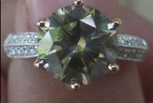Green Diamonds / Green diamonds are among the rarest of all fancy colors. To learn more, please visit: http://www.pricescope.com/wiki/fancy-color-diamonds/green-diamonds