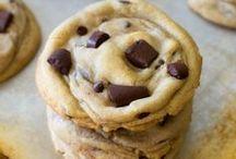 Sweet Treats | Cookies / by Nadia Khan