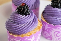 Cupcakes / by Anissa Garron Jones
