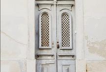 Doors/Puertas