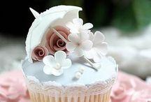 Deserts/ Cakes