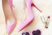Shoes: and fashion. / Shoes of all kinds, sneakers, pumps, louboutin, platforms, pumps, sandals, strappy shoes and more