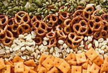 Appetizers & Snacks / hors d'oeuvres, appetizers, & snacks {dip recipes, cheese ball, snack mix, crostini, fries, onion rings}