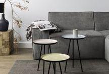 Woonkamer inspiratie / De woonkamer is een belangrijke plek in huis. Het is dan ook belangrijk dat je een interieur hebt waar je je helemaal in thuis voelt. Een 'thuis-gevoel' creëer je met meubels die bij je passen en je eigen woonstijl uitstralen. Hiervoor doe je natuurlijk vooraf voldoende woonkamer ideeën en woonkamer inspiratie op. Bij DesignOnline24 vind je een groot assortiment aan woonkamer meubels in verschillende soorten woonstijlen: denk bijvoorbeeld aan industrieel, Scandinavisch, landelijk of modern!