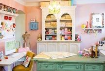 HOME || CRAFT Room / At night I fall asleep dreaming about the ideal craft room/office space.  What is a crafty girl to do?  Here's some inspiration for you and me...