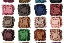 Endless Eyeshadows / Mix and match customized color looks from 80 new high-impact Colorful Eyeshadows in four finishes from SEPHORA COLLECTION.
