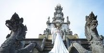 Balinese Temple Couple Pictures / Prewedding pic ideas in Balinese hindu temple. Photo by Bless Bali