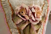 Vintage Couture, Hats, Gloves, Shoes / Vintage clothing for women with hats, gloves and shoes