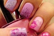Makeup & Nails / by Mindy Geraci