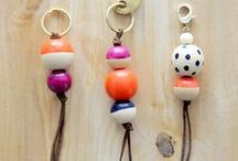 Key Fobs / Some creative ways to make key chains with interesting beads and creative outcomes