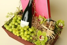 our custom gift baskets / create a custom gift or send one of our designs!