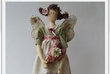 Crafting: All Dolled Up! / All about sewing dolls and their clothing <3 / by Peggy Pettis