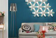 Lampen für jeden Raum / Mit der richtigen Beleuchtung lässt sich eine behagliche Wohnatmosphäre schaffen. Bei uns erfahrt ihr, wie indirekte Beleuchtung, Decken- oder Stehlampen einen ganzen Raum ins rechte Licht rücken.