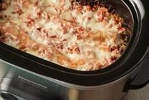 Dine/Crockpot / Easy crockpot meals / by Shannon Royal