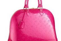 Addicted to Handbags / by Jody Clark
