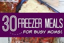 Freezer Cooking Recipes / Easy Freezer Cooking Recipes to save you time and money in the kitchen! Simple Meal Ideas and Dinner Recipes to spend LESS time in the kitchen and more time with your family! Seasonal Freezer Meals, Dessert Recipes, and Breakfast Ideas! DIY Hacks for Easy Freezer Meals!