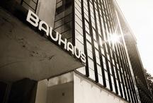 BAUHAUS - DADA / Een zoektocht tussen verschillende stromingen zoals DaDa- Bauhaus- De Stijl- Russische Avantgarde.