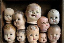 DOLLS pictures and creepy / Foto's van kinderen en volwassenen met hun poppen en beschadigde -daardoor voor mij mooie poppen- CHINA DOLLS