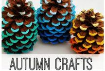 Fall DIY Projects / Easy Fall DIY Projects for Thanksgiving Holiday Hacks, Halloween Ideas and Pumpkin Crafts! Easy recipes and decor ideas for fall including pine cones, wreaths leaves, acorns, apples and more! Simple ideas to decorate your home and fall parties!