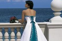 Clothes: Just beautiful dresses / by Theresa Schader