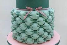 Cakes / Beautiful cakes / by Gina Moya