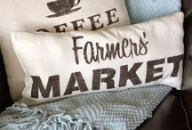 Pillows / My favorite Pillow Projects and Tutorials. All sorts of Handmade pillows.  / by Karen - The Graphics Fairy