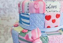 Cakes & Cupcakes / by Jan Abramczyk Nowacki