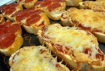 (Pizza/Quesidillas/Dogs)