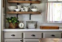 Kitchens / by Karoline Begin