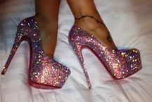 Foot Fashion / by Paige Longtin