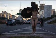 Desnudo Urbano / Modelo: Ludmila Barbosa Co-producción: Sur Amancay
