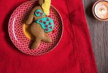 Slutty Gingerbread / Follow our curvy, confident gingerbread ladies as they report back from their fabulous parties, occasional mishaps or furious feuds. You can also order our body-confidant cookies as gifts, or our fabulous sprinkle mixes for your home baking.