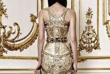 Weddings { Gold } / Wedding inspiration and ideas with a golden glow  / by UrbanMuse.ca