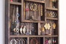 stojaki-wieszaki na biżuterię
