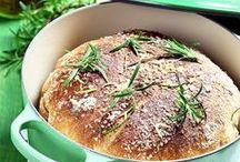 Hembakade bröd och bullar / by Hemmets Journal