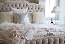 Luxe Boudoirs / by Angelique Duseigne
