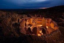 GÖBEKLİTEPE:Dünyanın en eski tapınağı / İnsanlık tarihi hakkında bildiklerimizi yeniden düşünmemizi sağlayacak, yerleşik tarih anlayışını ve bilgilerini değiştirip, dinler tarihini sorgulatacak bir arkeolojik çalışma 1995 yılından beri Urfa Göbeklitepe'de devam ediyor. İnşası Milattan önce 10000 yılına uzanan Göbeklitepe tarihteki en eski ve en büyük ibadet merkezi olarak biliniyor. Göbeklitepe İngiltere'de bulunan Stonehenge'den 7000, Mısır piramitlerinden ise 7500 yıl daha eski. #arkeolog #arkeoloji