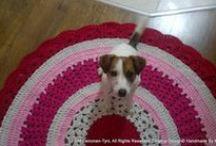 Virkatut matot,  crocheted rug's- and my little assistant ♥ (made by Me) / Virkattuja mattoja, kera pienen avustajan. Crocheted rugs, with my cute assistant ♥