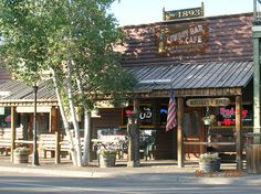Meeteetse Cowboy Bar: Meeteetse, Wyoming