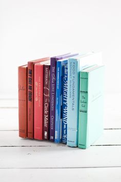 Turn discarded books into invisible bookends.