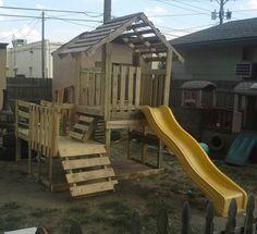 Une cabane pour enfant au style nordique in the garden for Alamo playhouse salon jardin