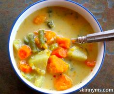 Veggie Pot Pie Stew - 97 CALORIES per serving compared to 500+ calories for traditional pot pie. This recipe rates a 5 out 5 for weight loss. shhhhh...just ate my 2nd bowl for the day. YUM! #weightwatchers