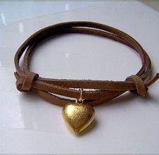 A DIY on how to make bracelets.